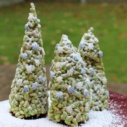rice-krispy-christmas-tree-250